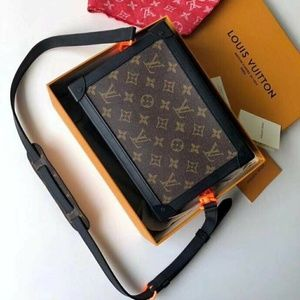 Louis Vuitton box bags Check description